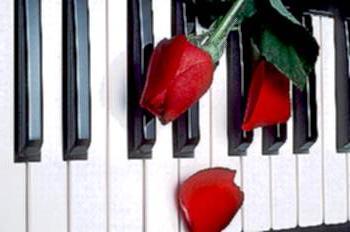 pianoright.jpg